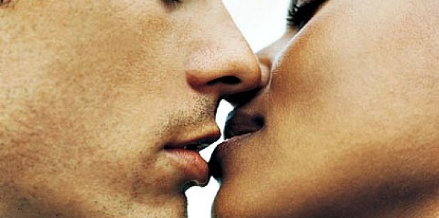 7 Reasons Kissing is Good For Your Health | Naughty Guide